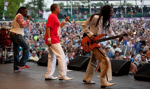 Earth_Wind_Fire_01